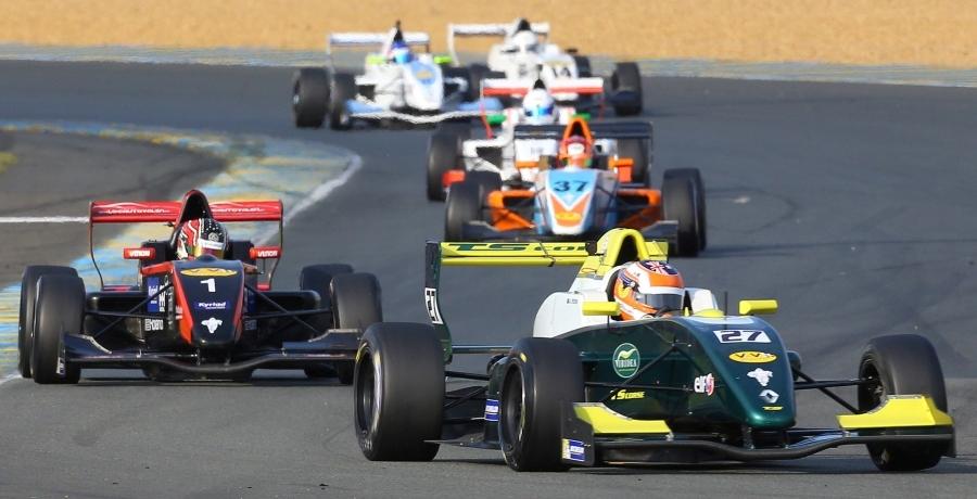 2016 Challenge Monoplace rd 2 (Le Mans Bugatti) race 3 - Alex Peroni leads